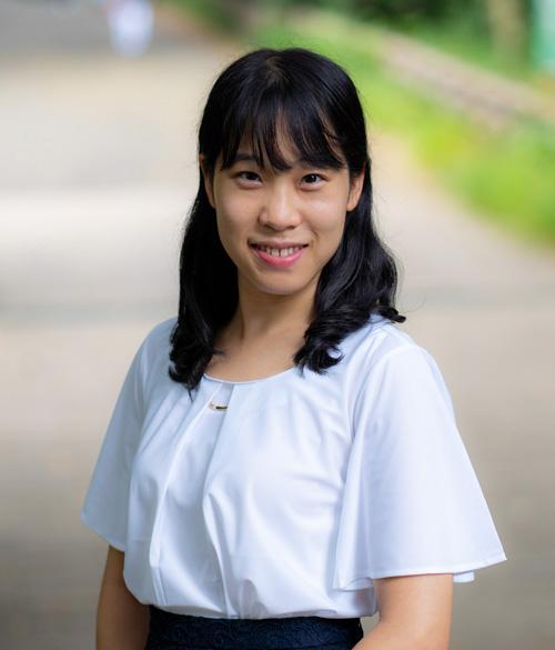 石津遥香プロフィール画像(笑顔)
